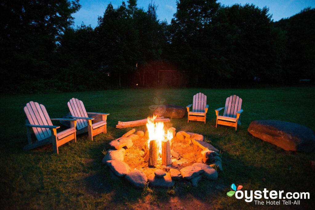 Un lugar cálido para relajarse: el pozo de fuego de Graham.