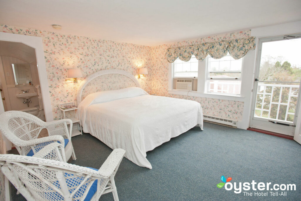 The Edgartown Inn offers affordable rates.