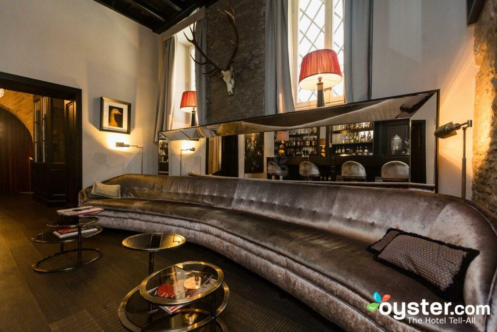 Bar im DOM Hotel / Oyster