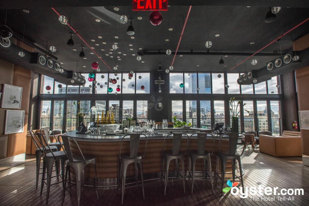 Bar Hugo Rooftop presso Hugo Hotel / Oyster