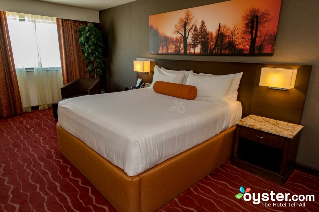 Mohegan Sun Pocono Review: What To REALLY Expect If You Stay