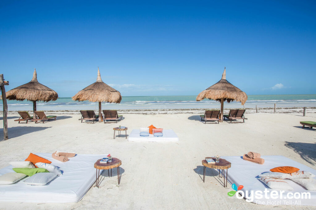 Plage au CasaSandra Boutique Hotel / Oyster