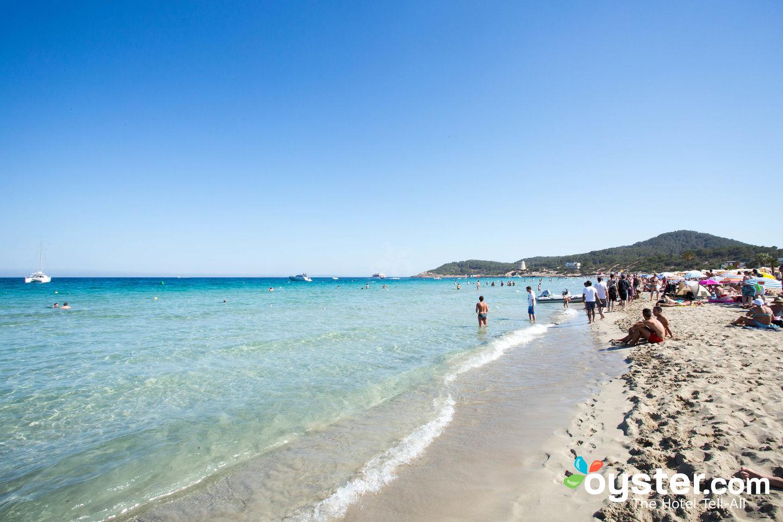 Beach at Hotel Club Bahamas Ibiza, Playa d'en Bossa/Oyster