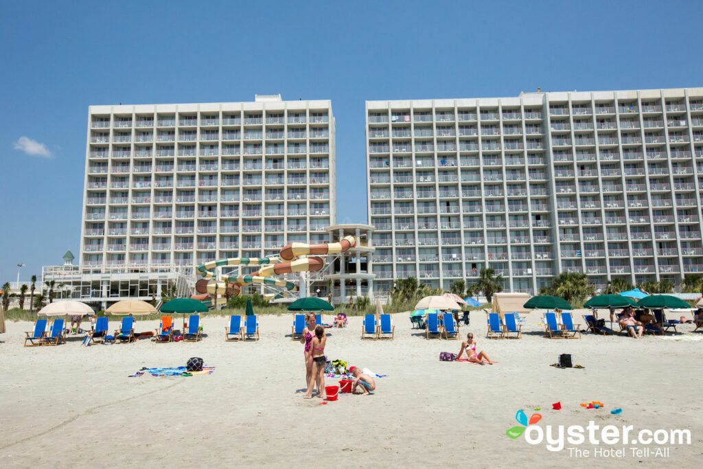 Crown Reef Beach Resort and Waterpark: Review + Updated