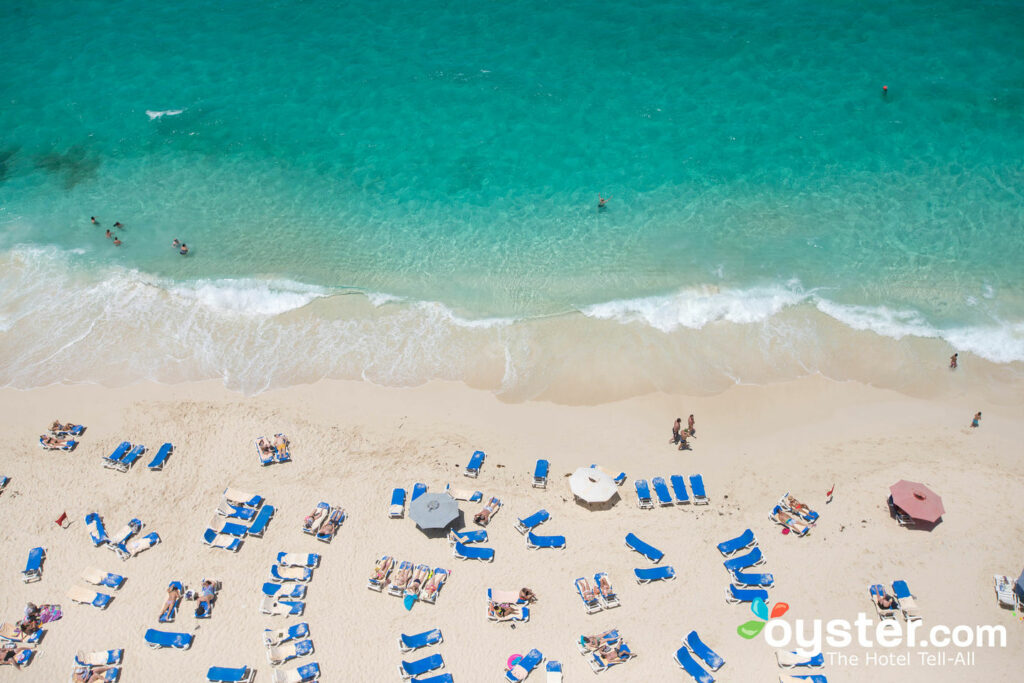 Strand im Hotel Riu Palace Paradise Island / Oyster