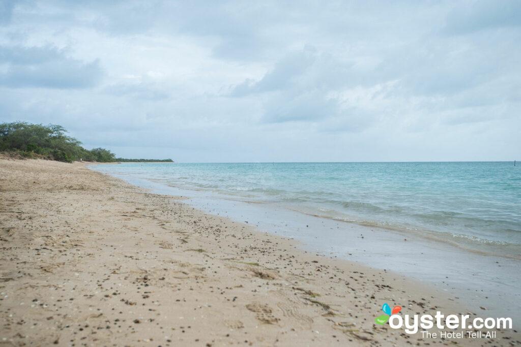 The beach behind Parador Combate Beach.