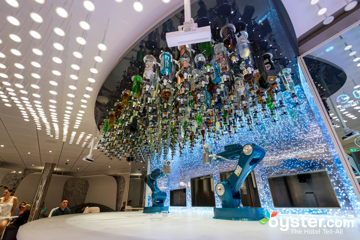 Bionic Bar en Symphony of the Seas / Oyster