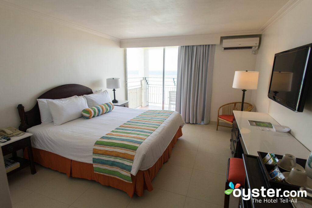 Sunscape Splash Montego Bay Review: What To REALLY Expect If ...