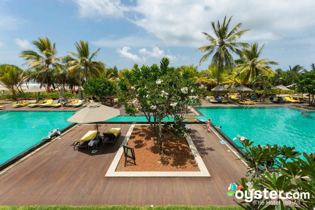 Centara Ceysands Resort & Spa Sri Lanka: Review + Updated