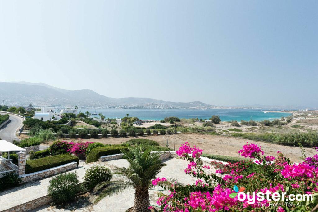 Vue de Paros Agnanti Resort / Oyster