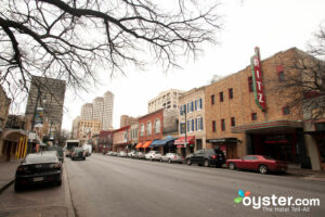 Sixth Street, Austin/Oyster