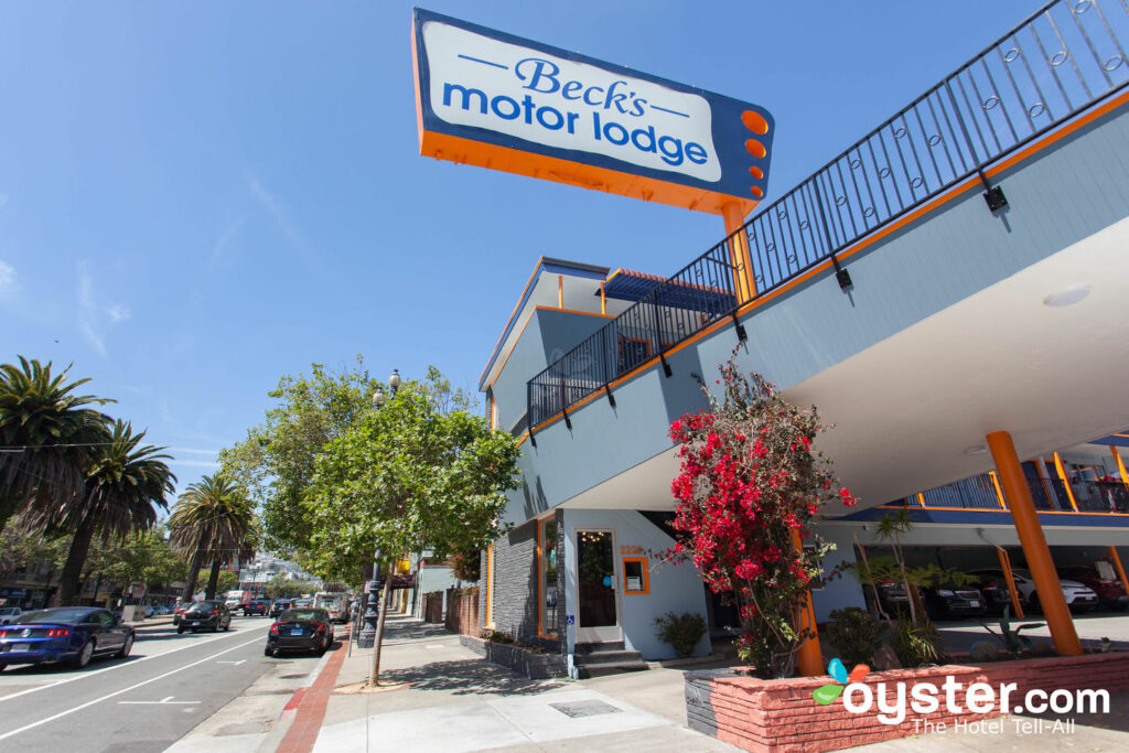 Beck's Motor Lodge / Oyster