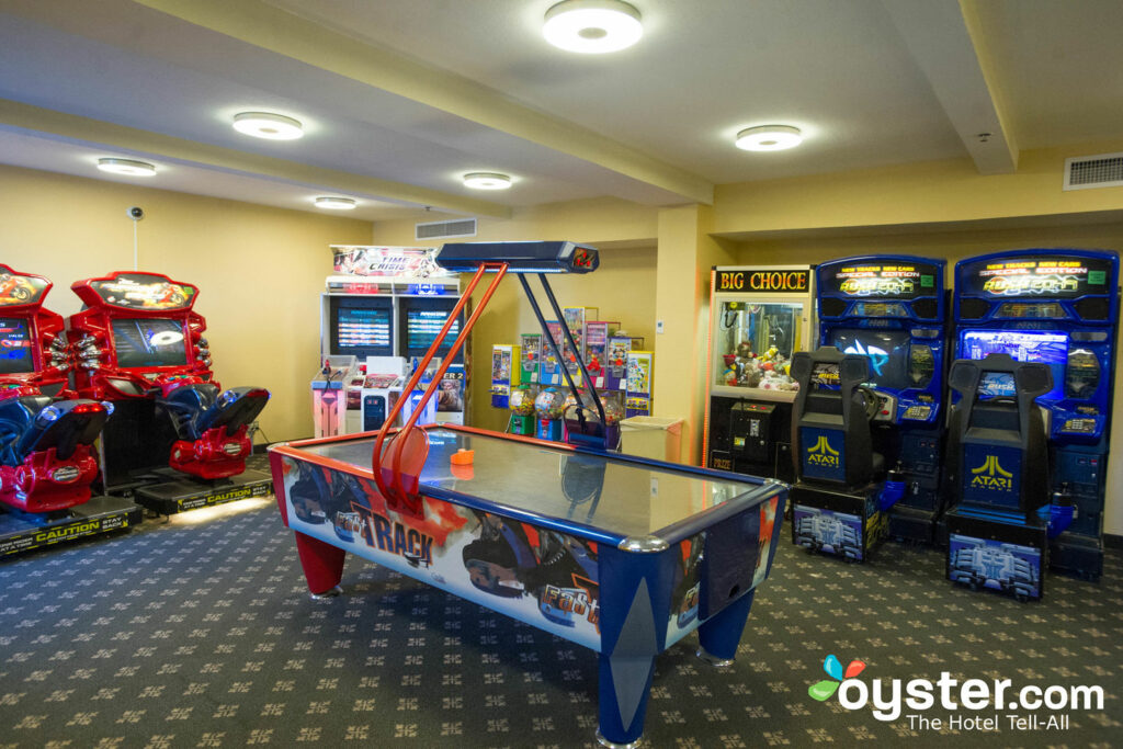 Game Room at Howard Johnson Anaheim Hotel and Water Playground