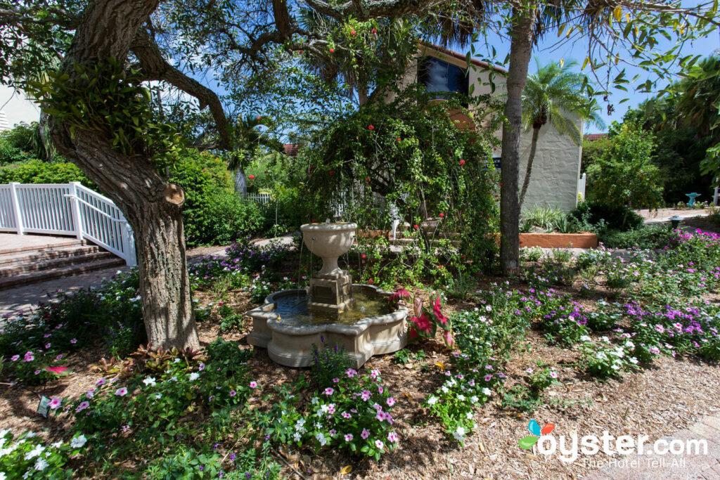 Garden at Sanibel Moorings/Oyster