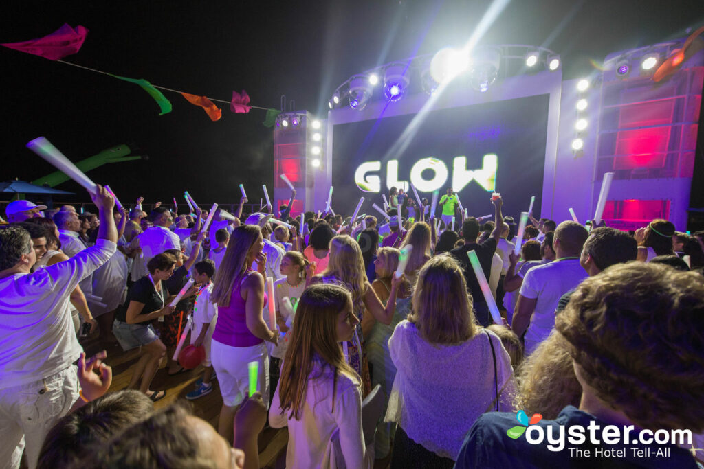 Glow Party on Norwegian Escape/Oyster