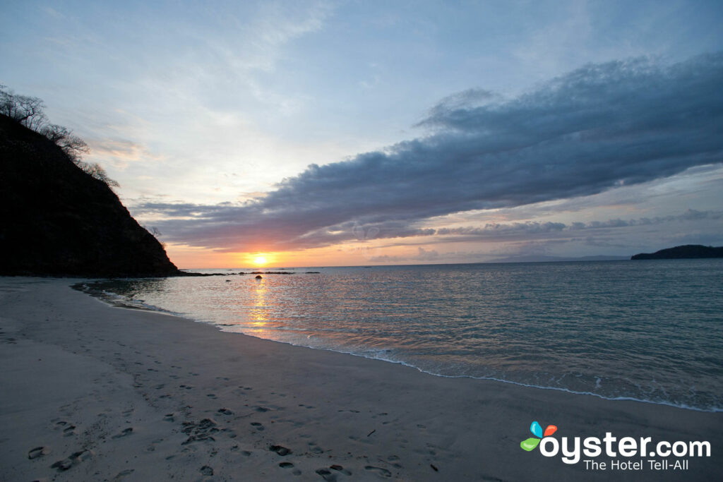 Tramonto a Playa Virador in Costa Rica / Oyster
