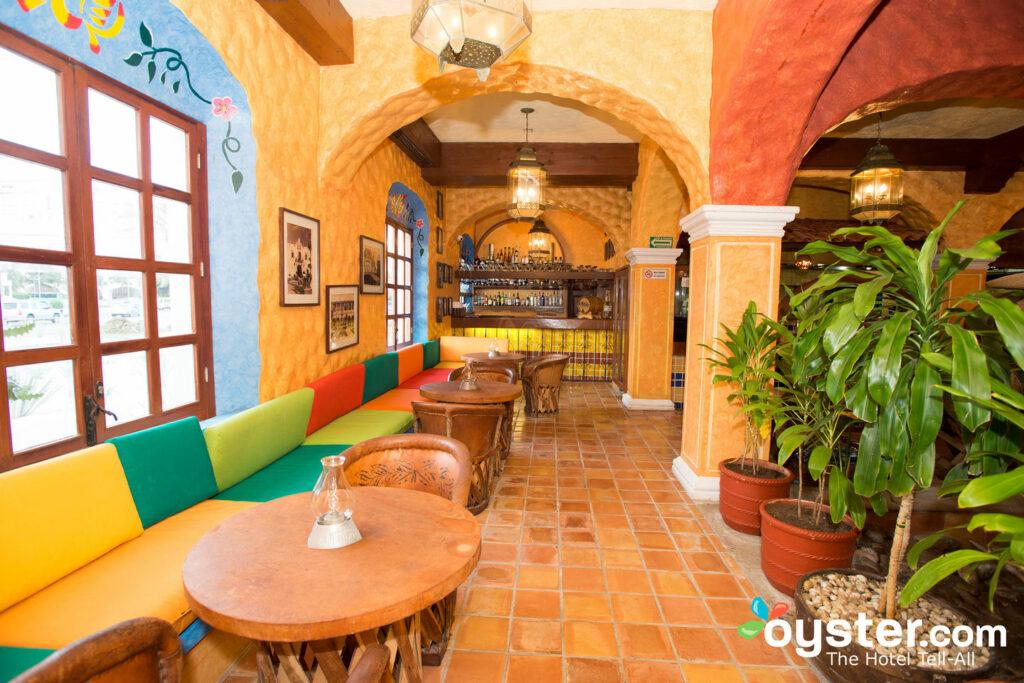 Alguns restaurantes no Krystal Cancun exigem reservas.