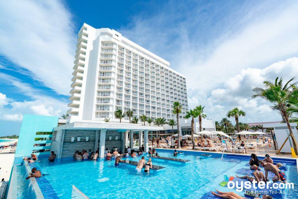 Hotel Riu Palace Paradise Island Detailed Review, Photos & Rates