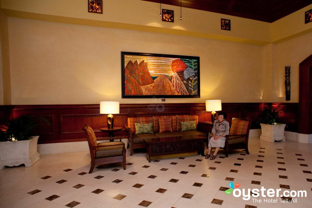 Lobby at Grand Waikikian by Hilton Grand Vacations Club