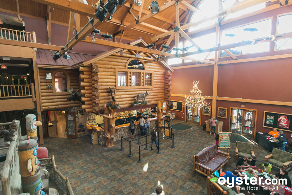 Great Wolf Lodge Wisconsin Dells: Review + Updated Rates