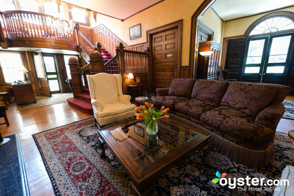 Rooms: Crowne Plaza Resort Asheville Detailed Review, Photos