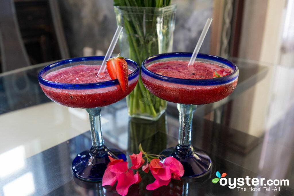 Cocktails at Rivera del Rio/Oyster
