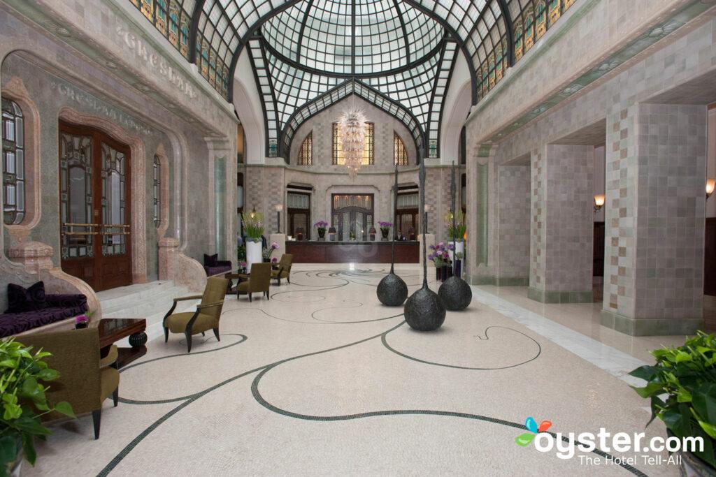 Lobby im Four Seasons Hotel Gresham Palace / Oyster