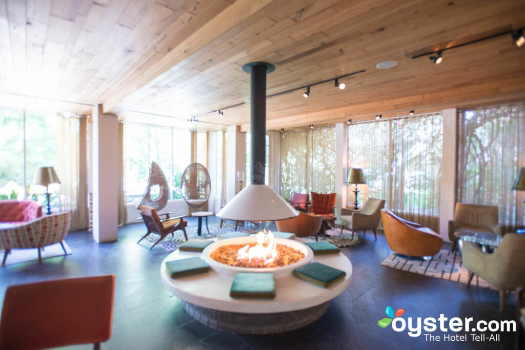 Miraculous 8 Fabulous Midcentury Modern Hotels In The U S Oyster Com Download Free Architecture Designs Remcamadebymaigaardcom