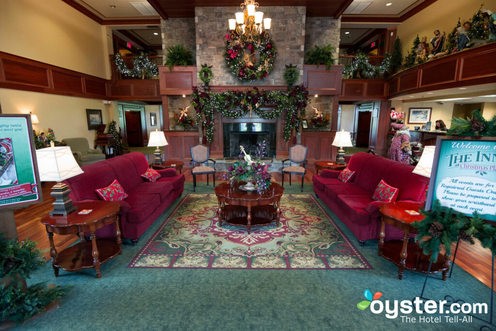 Christmas Motel Pigeon Forge Tn.The Inn At Christmas Place Review Updated Rates Oct 2019