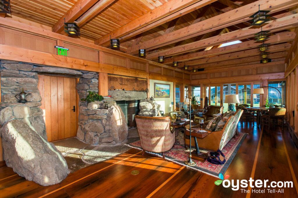 Main Inn Living Room à l'auberge à Newport Ranch