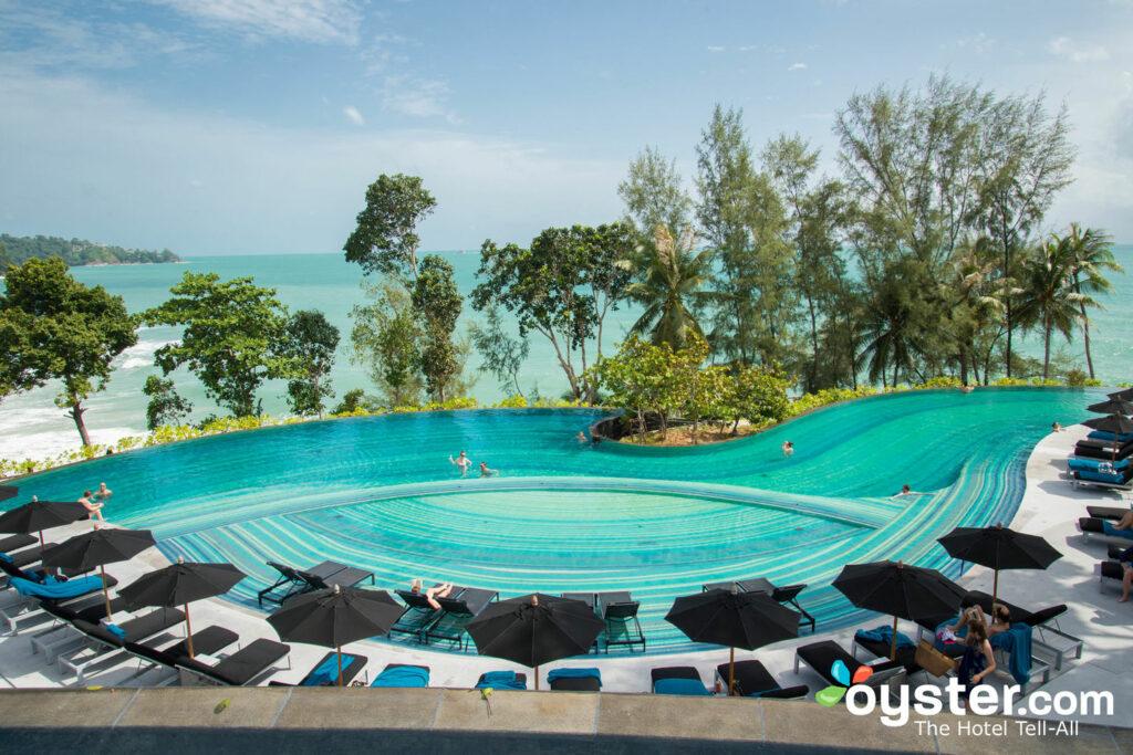 Piscina principal en Pullman Phuket Arcadia Naithon Beach