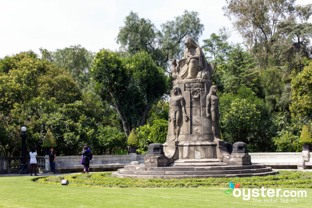 One of the monuments to be found in the Bosque de Chapultepec.