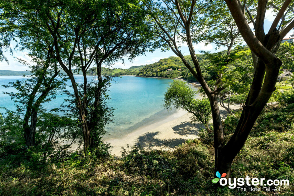 Blick vom Bungalow am Meer bei Secrets Papagayo Costa Rica / Oyster