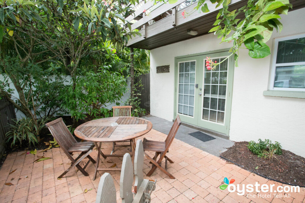 The One-Bedroom Apartment with Garden Patio at Sunrise Garden Resort/Oyster