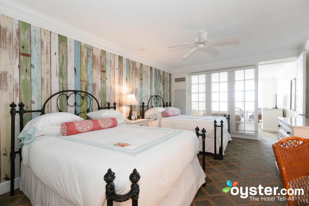 Banos De Epoca.Pelican Grand Beach Resort A Noble House Resort Review
