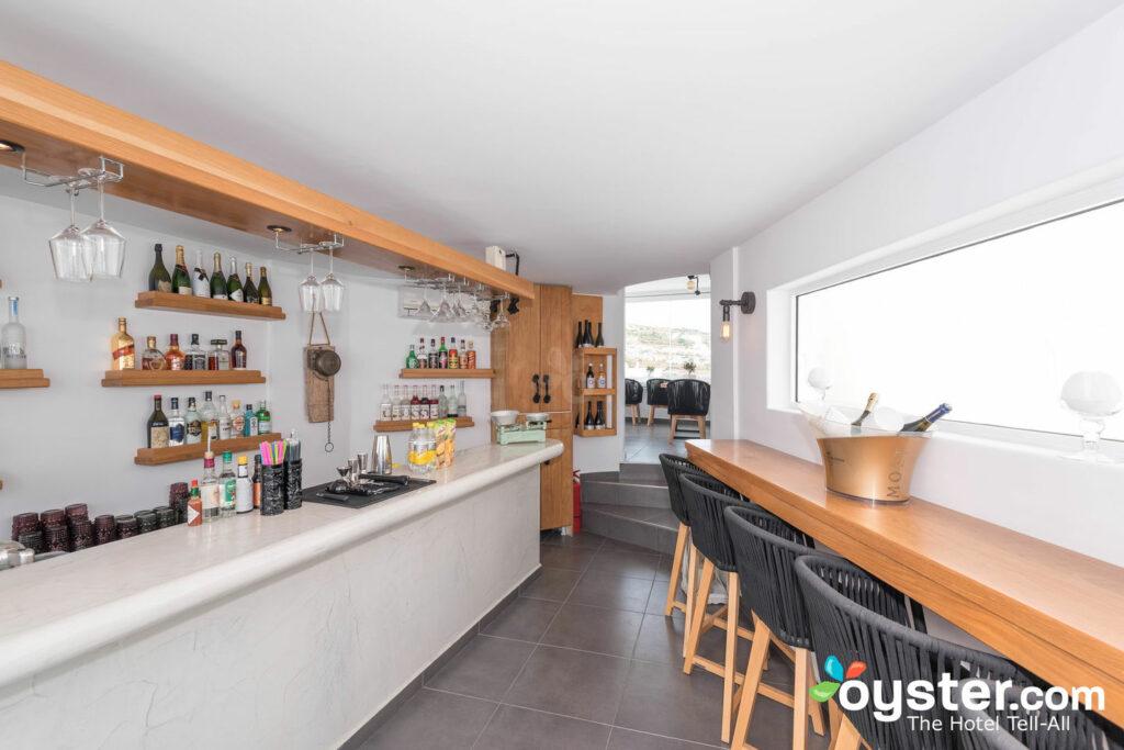 Pool Bar en Evgenia Villas & Suites