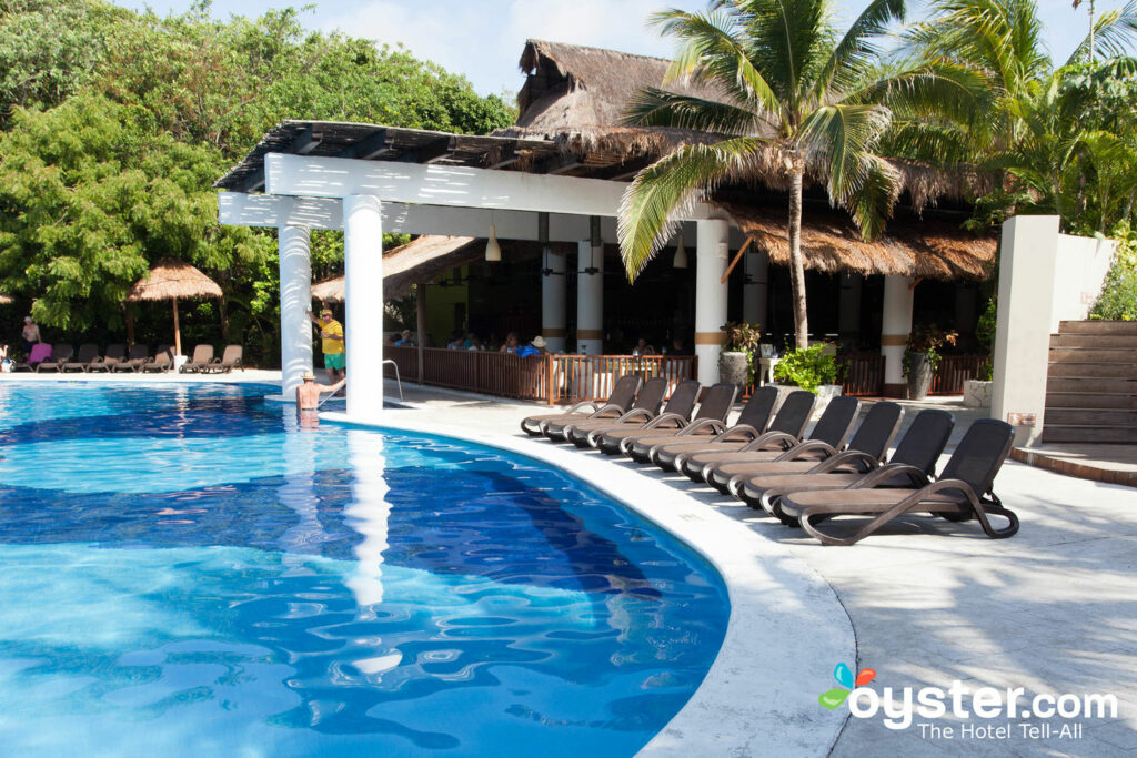 Sandos Caracol Eco Resort Review: What To REALLY Expect If