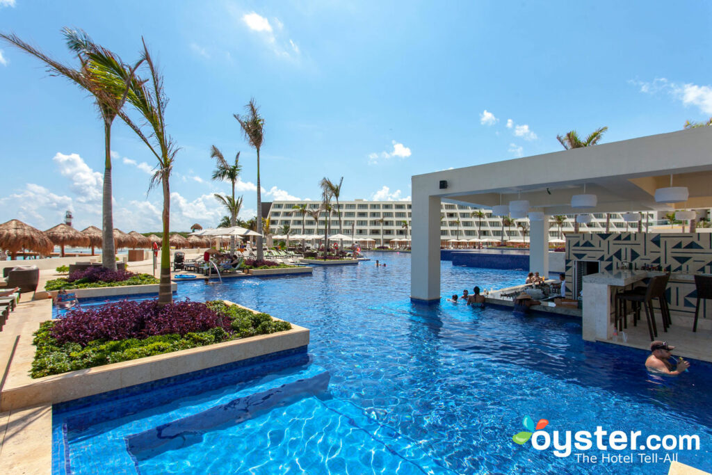 Main Pool at Hyatt Ziva Cancun/Oyster