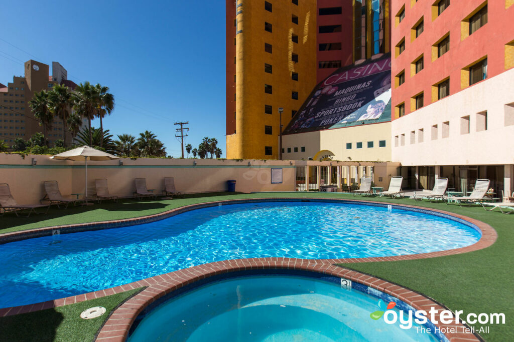Hotel Corona Plaza Rosarito Review