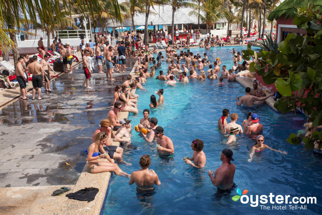 Pool party at the Grand Oasis Cancun/Oyster