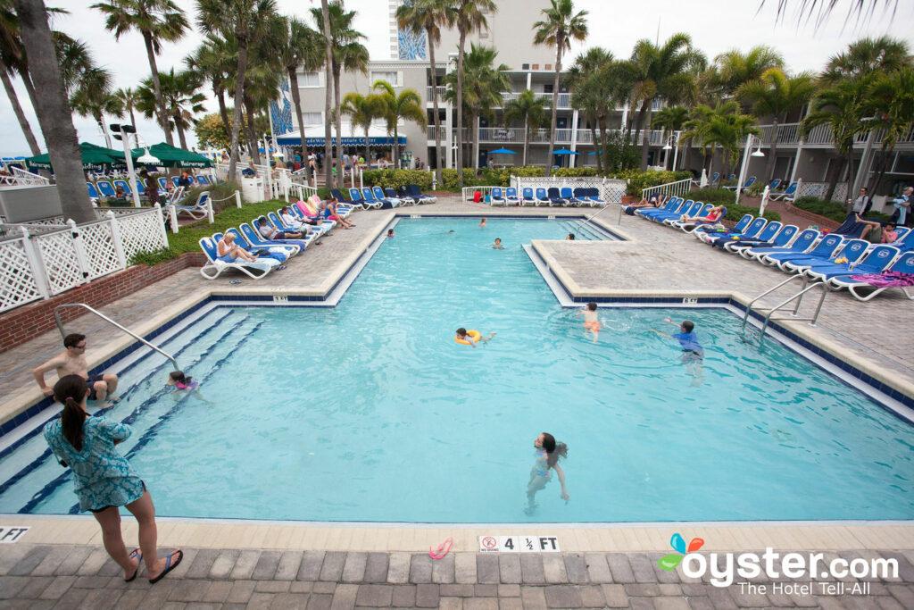 Tradewinds Island Grand Resort Review