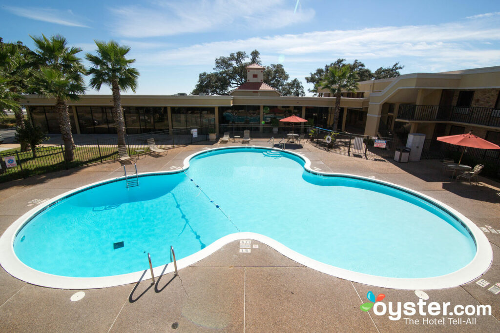 Quality Inn Biloxi Beach By The Coliseum Review What To Really