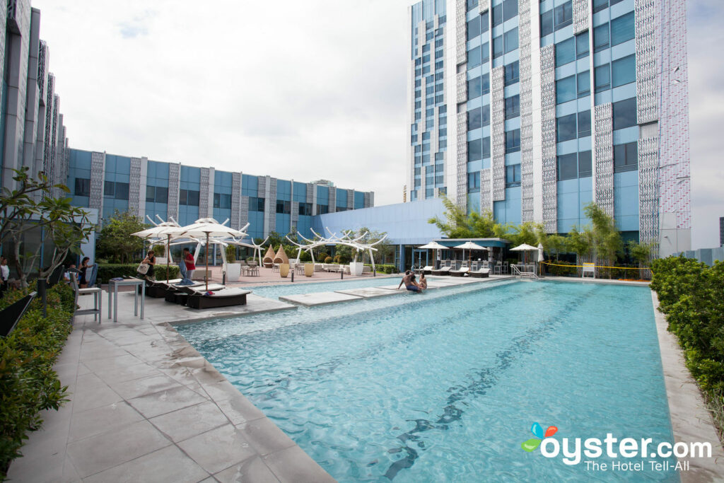 The Bellevue Manila Detailed Review, Photos & Rates (2019) | Oyster com
