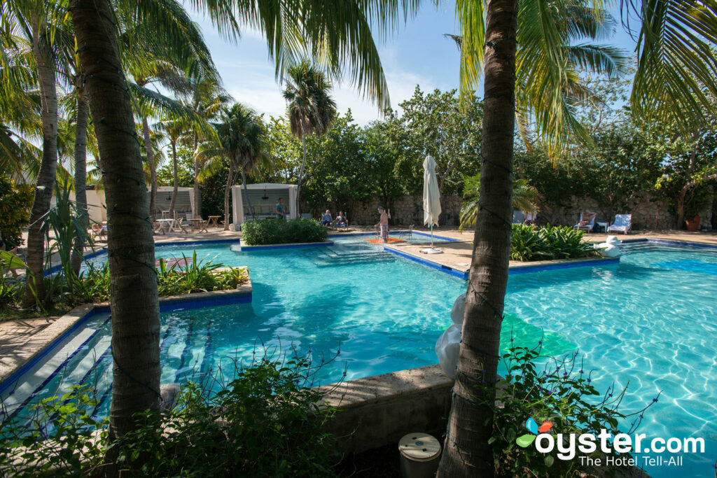 Floris Suite Hotel - Spa & Beach Club: Review + Updated