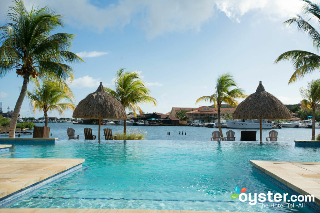 Pool at La Maya Beach - Spanish Water Luxury Apartments, Curacao/Oyster