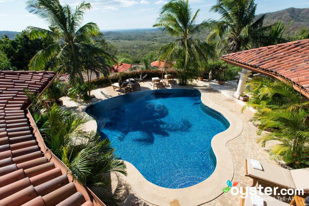 La piscina di Los Altos de Eros / Oyster