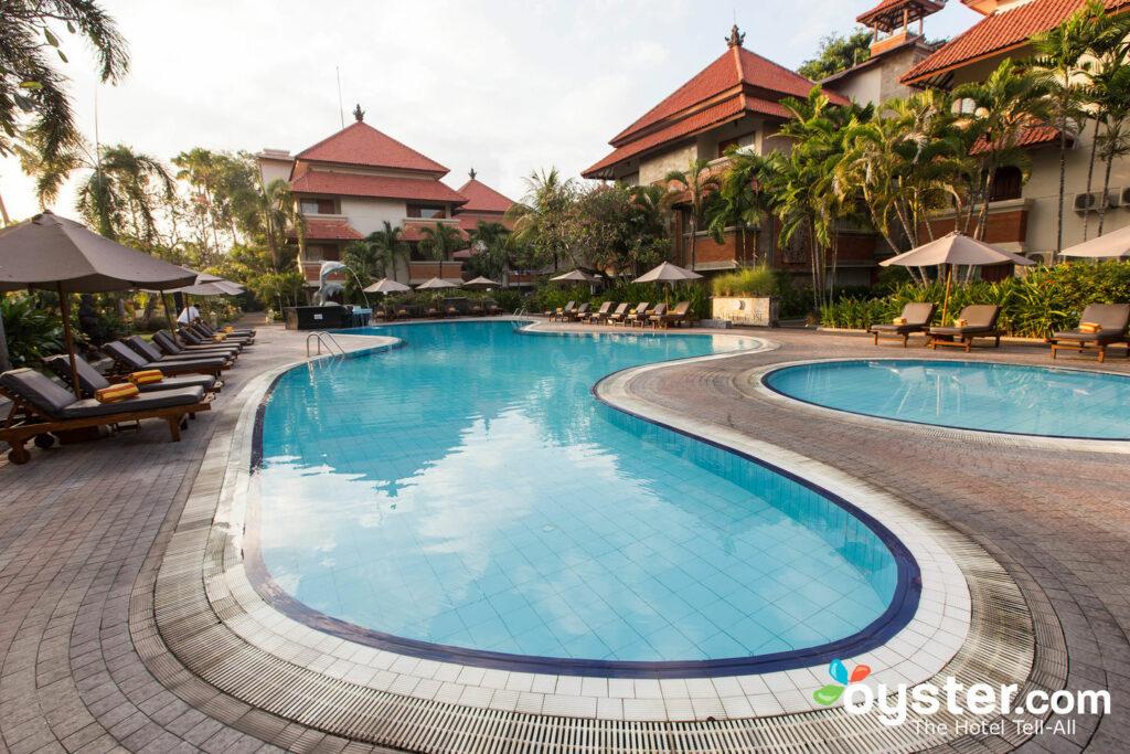 White Rose Kuta Resort Villas Spa The Pool Villa At The White Rose Hotel Villas Oyster Com Hotel Photos