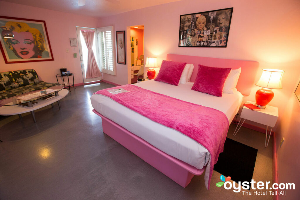 The Pretty in Pink Suite em Palm Springs Rendezvous / Oyster