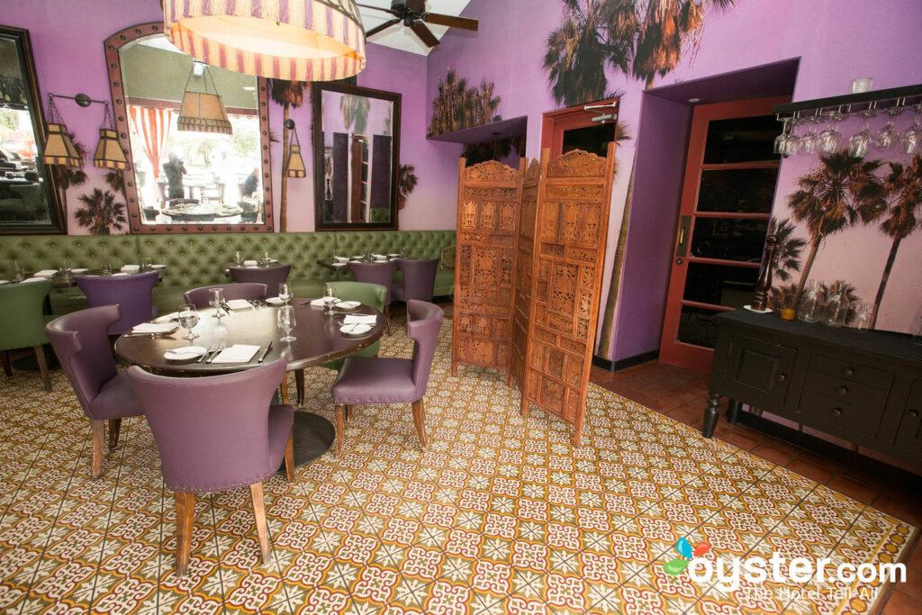 Restaurante Purple Palm no Colony Palms Hotel / Oyster