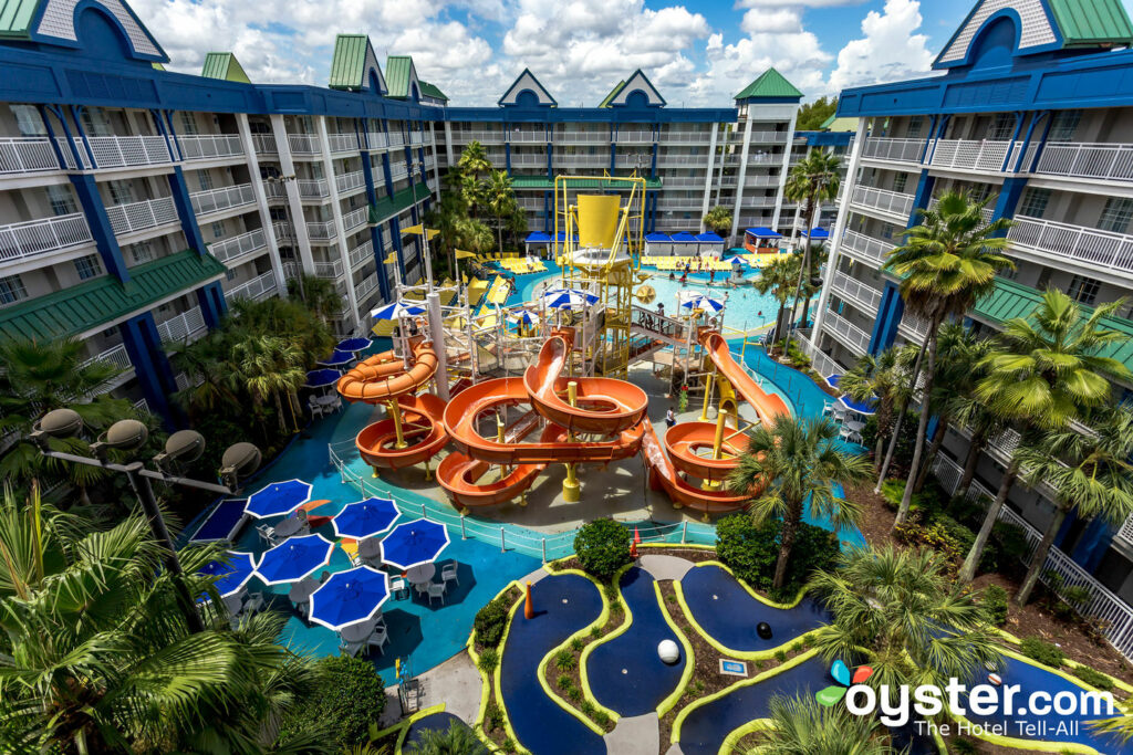 Holiday Inn Resort Orlando Suites - Waterpark: Review +